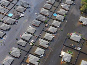 Los drones se utilizan para grabar imágenes aéreas de catástrofes, inundaciones u otras incidencias medioambientales.